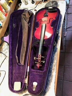 Ashton 4/4 violin with case and bow in excellent condition and ready to play