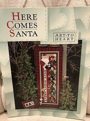 Art to Heart - Here Comes Santa - quilting pattern book