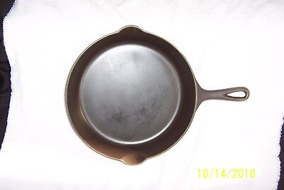 Antique CAST IRON Griswold #8 LARGE SLANT Logo #704E Erie FRY PAN w/Heat Ring