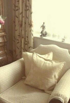 Cream cushion covers x4 used condition.