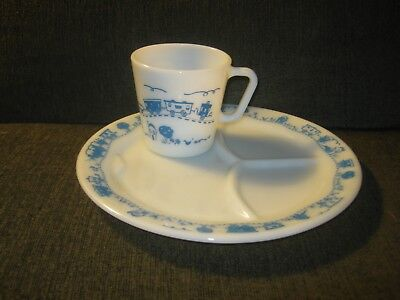 PYREX, for Children, Divided Plate and Matching Mug (2 pcs.) No damage!!