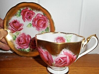 Queen Anne Heavy Gold Red Pink Cabbage Roses Scalopped Tea Cup Set England