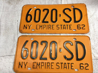 1962 New York license plate set (front-rear) pair