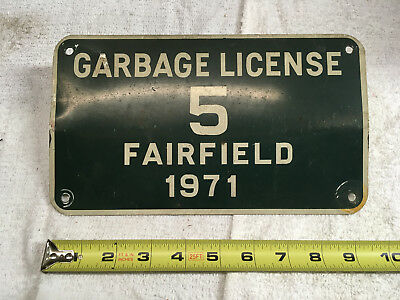 1971 Connecticut license plate FAIRFIELD GARBAGE LICENSE 5