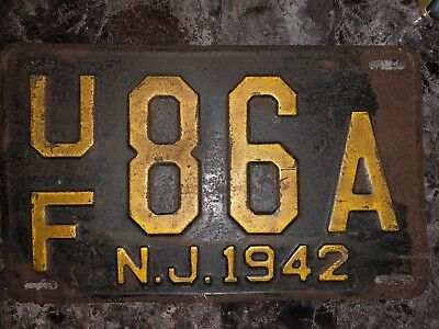 Vintage 1942 New Jersey Automobile License Plate - UF 86A