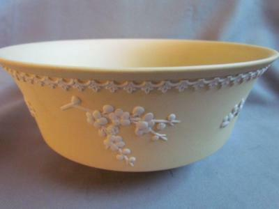 Wedgwood Cane Yellow Bowl with Berries