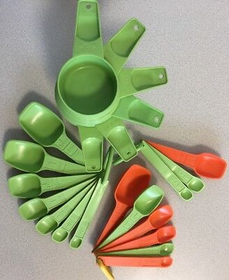 Vtg Tupperware Green 6 Measuring Cups & 7 Spoons + extra 9 spoons w/ holders