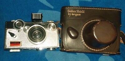 ARGUS LC3 GOLDEN SHIELD  CAMERA W/ 50mm F-3.5 LENS  W/ CASE COATED CINTAR NICE