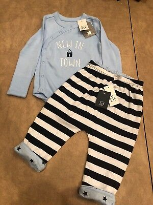 NWT Baby Gap boy blue NEW IN TOWN 2-piece FALL bodysuit pant SET 3 6 month TWINS