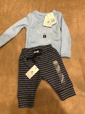 NWT Baby Gap Boy FALL Blue NEW IN TOWN bodysuit pants 2-piece SET size newborn