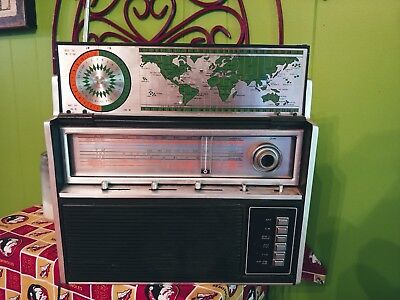 Vintage Radio - Cariole Model 29610 Solid State multi band receiver