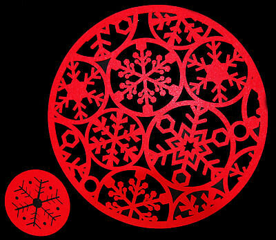 Set Of  8 ROUND Red Felt Christmas Dinner Table Place Mats And 8 Coasters