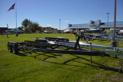 2000 Heritage  Tandem Axle Boat Trailer Fits Most 20-25 ft Boats