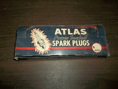 Vintage Full Box Atlas 472 Spark Plugs NOS Gas Oil Advertising Automobilia!