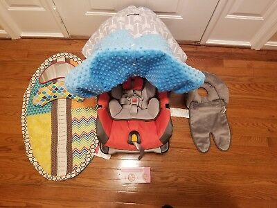 Chicco Keyfit 30 Infant Car Seat and Base, Infant seat is Orange/Gray and More