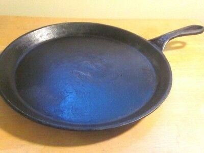 Antique Cast Iron # 8 Griddle Fry Pan with Heat Ring