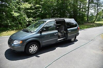 2005 Chrysler Town & Country  2005 Chrysler Town and Country Limited