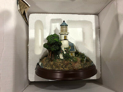 Thomas Kinkade Seaside Memories A Light In The Storm Lighthouse Sculpture Light
