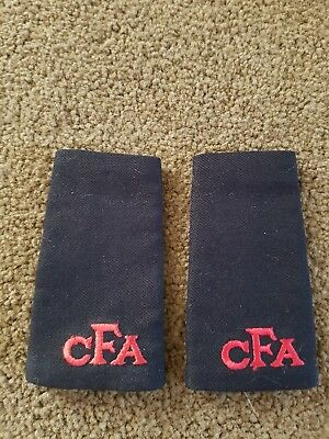 Epaulettes Cfa Country Fire Authority Firefighter Obsolete  Recruit