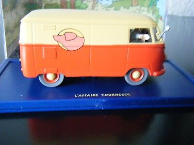 Herge Moulin-Tim+Struppi-L`affaire Tournesol-Fall Bienlein-VW Bus T1-Bully+Figur