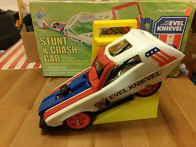 Evel Knievel Stunt Cycle Crash Car & Launcher  & Box Evil 70s Toys Action Figure