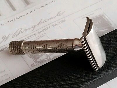 Gillette New Improved Safety Razor. Silver Tone. (Serial# 115562B) 1920's.