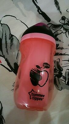 Tommee Tippee Insulated Sipper Bottle in Pink (Good Condition) **Brand New**