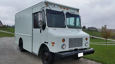 2003 Workhorse P42 Step Van with Lift Gate