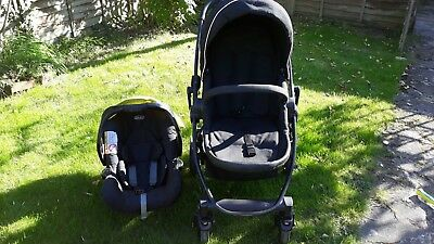 Graco Evo Travel System - Black / Lime canopy on the car seat