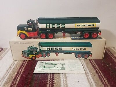 Vintage 1978 Hess Truck W/Original Box and Battery Card *Non Working Lights*