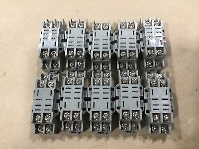100 1SMC20AT3 ON SEMI TVS DIODES UNIDIRECTIONAL 20V 1500W SMC PACKAGE QTY