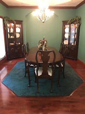 Thomasville Collector Cherry Dining Room Set Plus Accessories