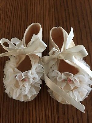 Mrs. Day's Baby Ideal Vintage Crib Shoes Size 0