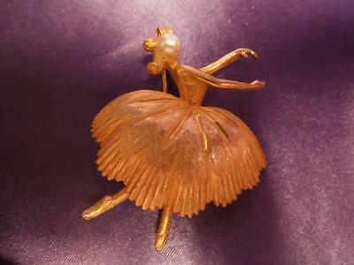 Vintage Jewelry Signed BSK Textured Gold Pearl Ballerina BROOCH Pin