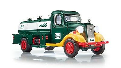 NIB HESS 2018 85th Anniversary Limited Edition Collector's Truck 85 Collector