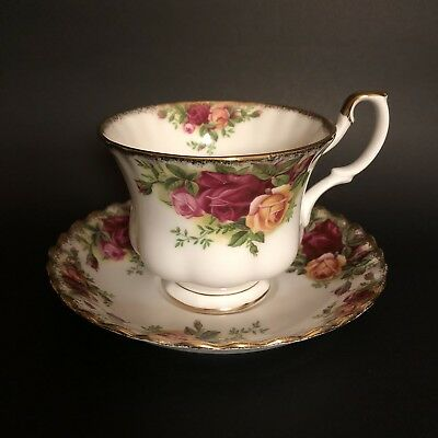 Vintage Royal Albert Old Country Rose Tea Cup & Saucer 1962