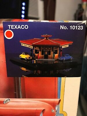 Lefton's 1995 Texaco Gas Station - Roadside Usa Collection - #10123