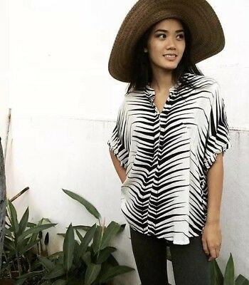 Ava Sky Top Redondo in Black And White Spike size XS