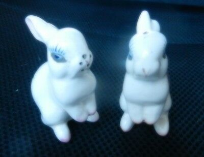 2 PLICHTA LONDON POTTERY RABBITS 7 cm Thistle design Salt & Pepper