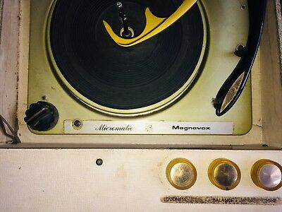 Vintage Magnavox Stereo  Portable Record Player Turntable