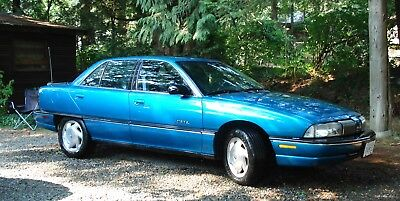 Oldsmobile: Achieva SL 1993       OLDSMOBILE    Achieva SL    156,000 original kms    mag wheels