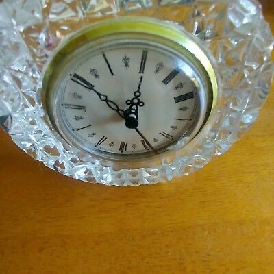 Round-shaped cut glass clock