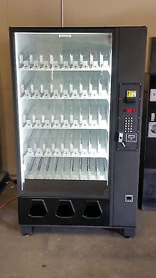 Dixie Narco 2145 / 5591 Glass Front Vending Machine