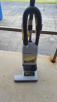 Proteam refurbished 1500xp upright vacuum cleaner. In very good condition.