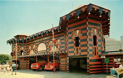 Puerto Rico Postcard: View Of Antique Fire Trucks At Ponce Firehouse - Ponce, Pr