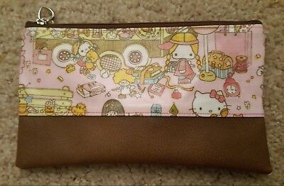 NEW Hello Kitty School Bus Pouch Travel Makeup Pencil ZipUp Cell Phone Purse  Bag d5d72ac6b0f12