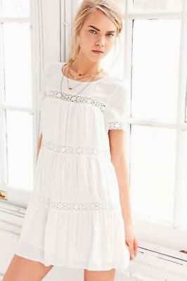 1a7fb29a4fac Urban Outfitters Alice + UO White Crochet Eleanora Lined Dress Sz Small EUC
