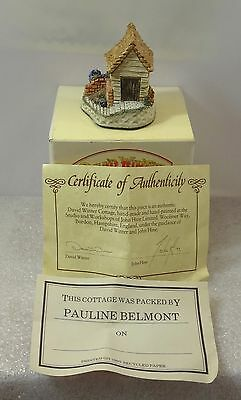David Winter Cameos The Potting Shed In Excellent Condition 1991