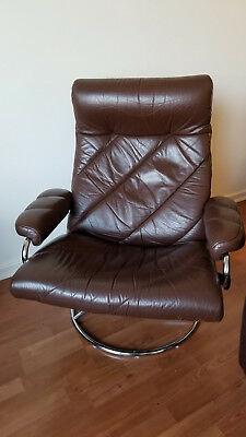 Vintage Ekornes Stressless Recliner With Matching Ottoman Brown Gently Used