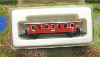 Marklin Mini Club #8701 (2) Z Gauge / Scale Continental Outline Coach in Red Bxd